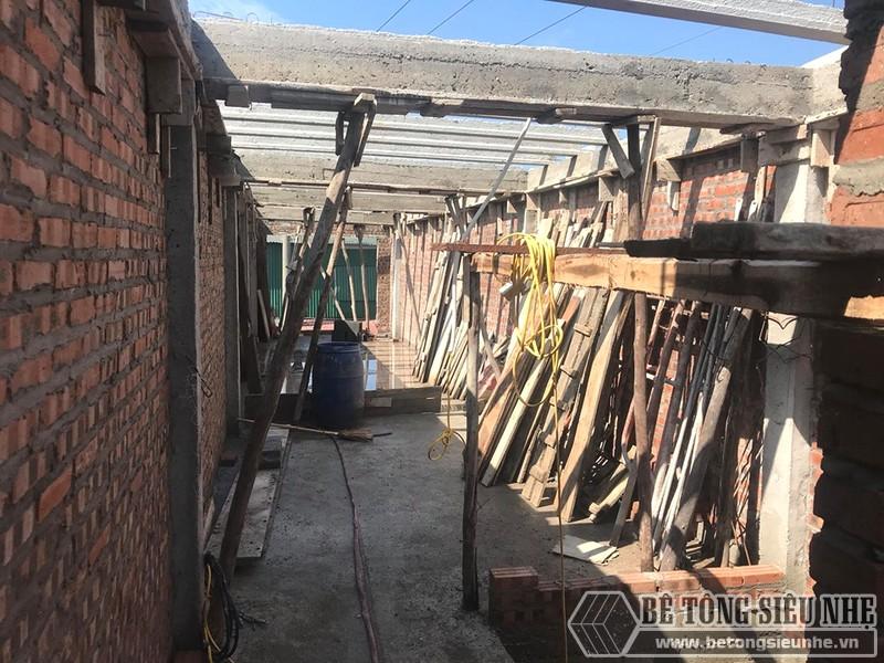 Đổ trần bằng bê tông siêu nhẹ tại Thạch Thất, Hà Nội nhà chị Mai - 07