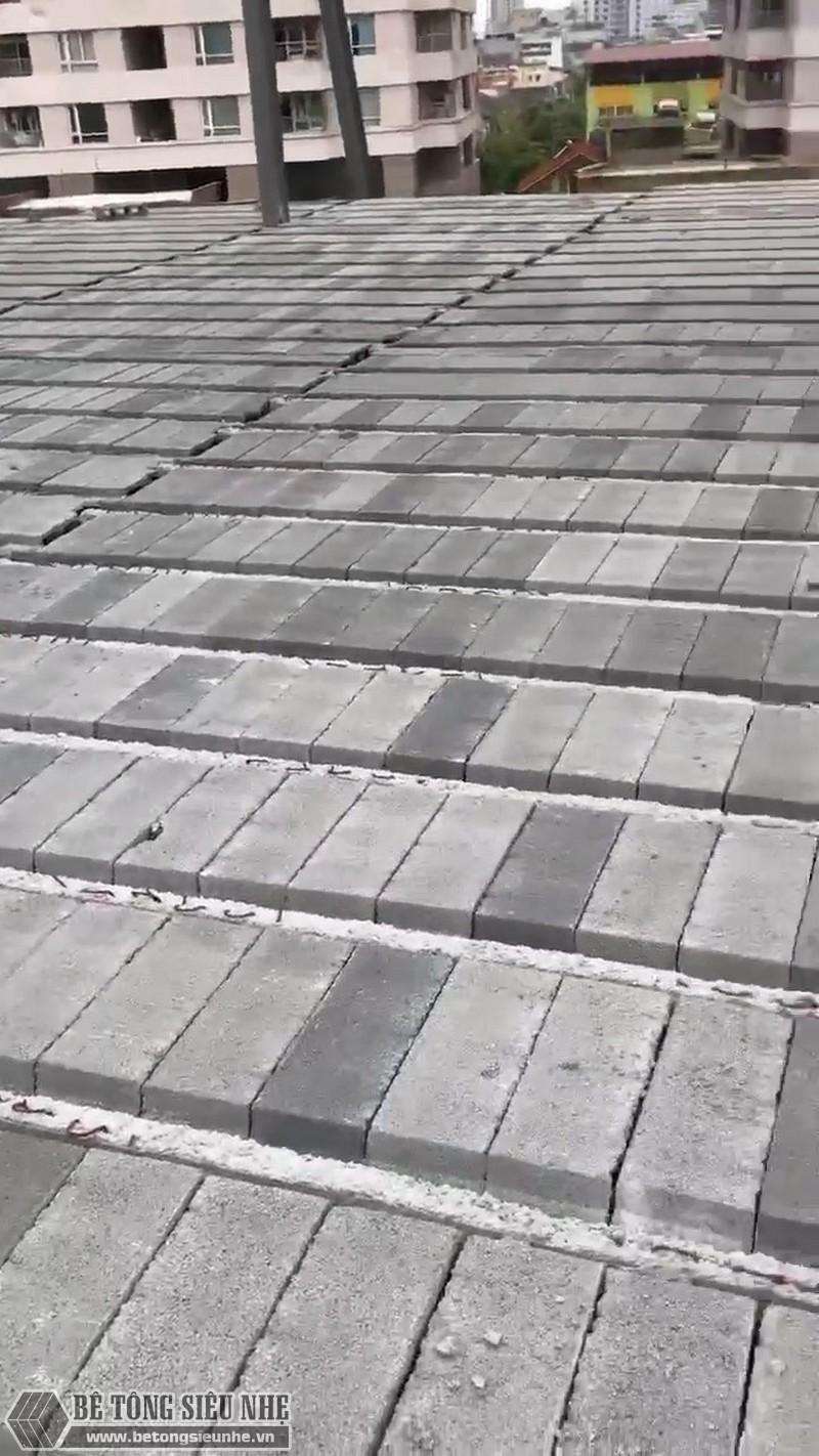 Xây nhà bằng khung thép tiền chế và sàn panel vừa tiết kiệm được thời gian, vừa tiết kiệm được tiền bạc