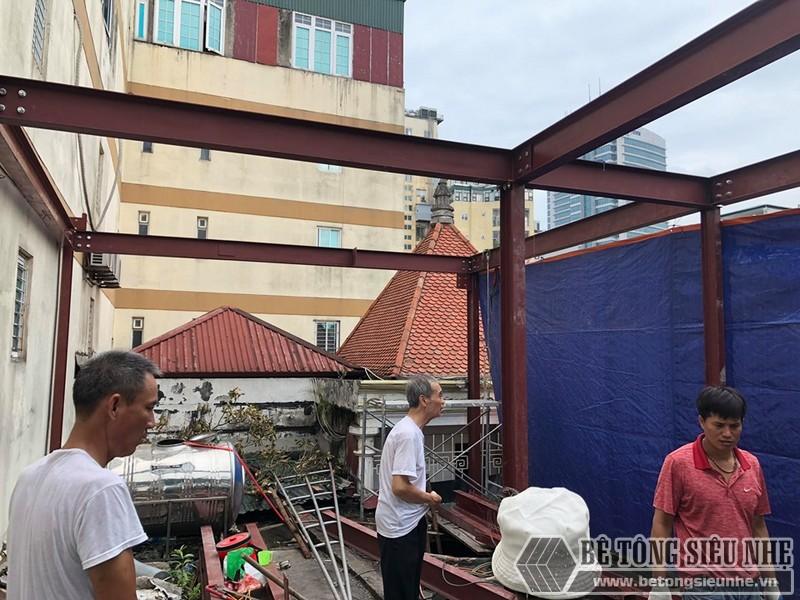 """Nâng tầng nhà phố """"siêu nhanh"""" bằng khung thép tiền chế tại phố cổ Hà Nội"""