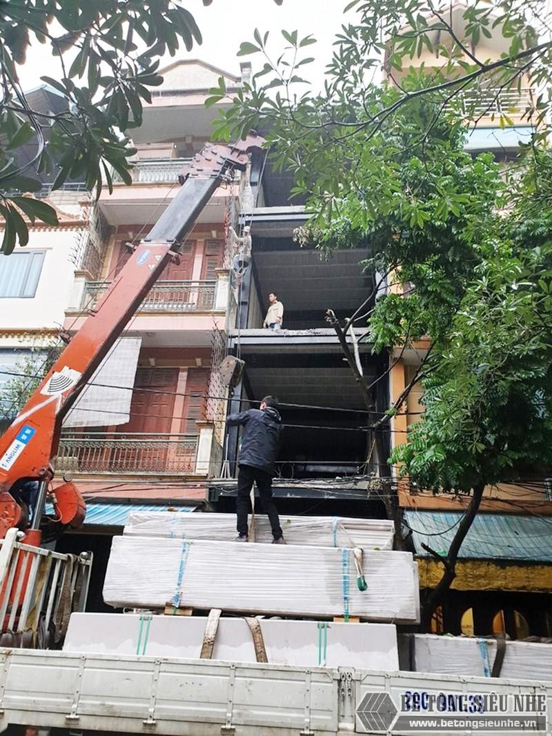 Làm nhà phố bằng khung thép và sàn nhẹ tiết kiệm được nhiều thời gian thi công