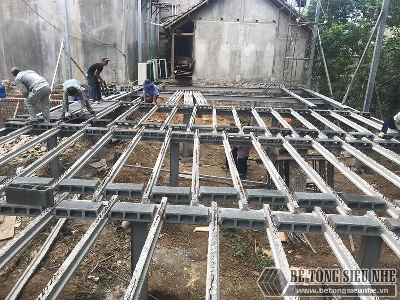 Mẫu xây nhà băng bê tông nhẹ kiểu 2: sử dụng khung thép tiền chế, sàn nhẹ