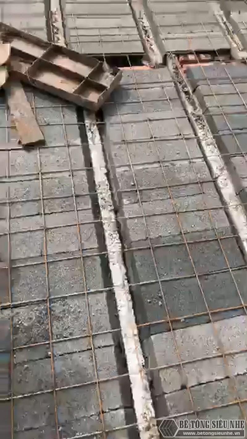 Một số hình ảnh thức tế về công tác buộc thép của sàn bê tông nhẹ Xuân Mai - 01