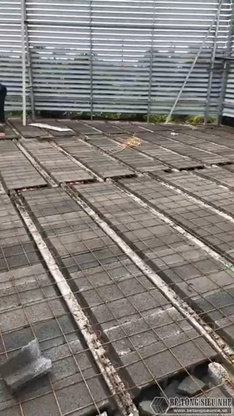 Một số hình ảnh thức tế về công tác buộc thép của sàn bê tông nhẹ Xuân Mai - 05