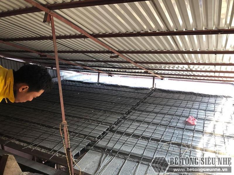 Bê Tông Siêu Nhẹ đanlưới thép quy chuẩn 15*15cm để giữ chắc hệ dầm chịu lực và gạch block - 01