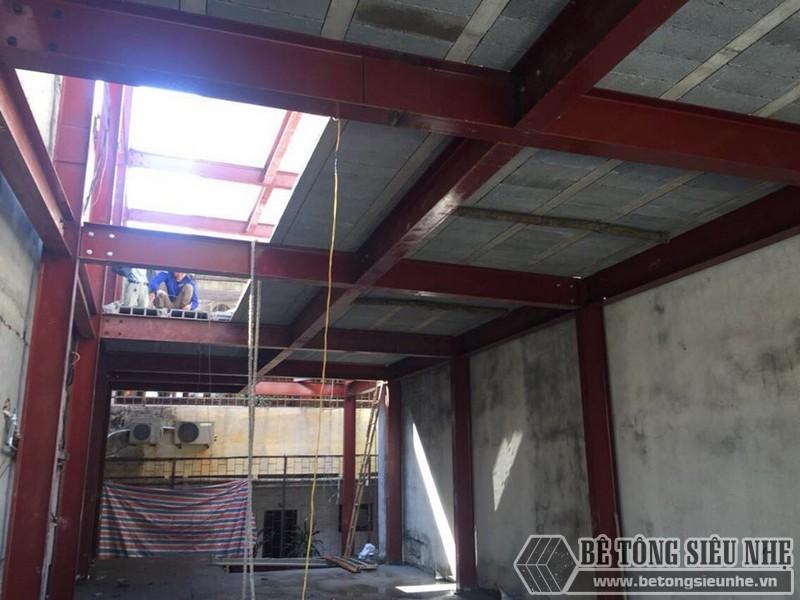Hoàn thiện quá trình dựng nhà khung thép kết hợp sàn bê tông siêu nhẹ