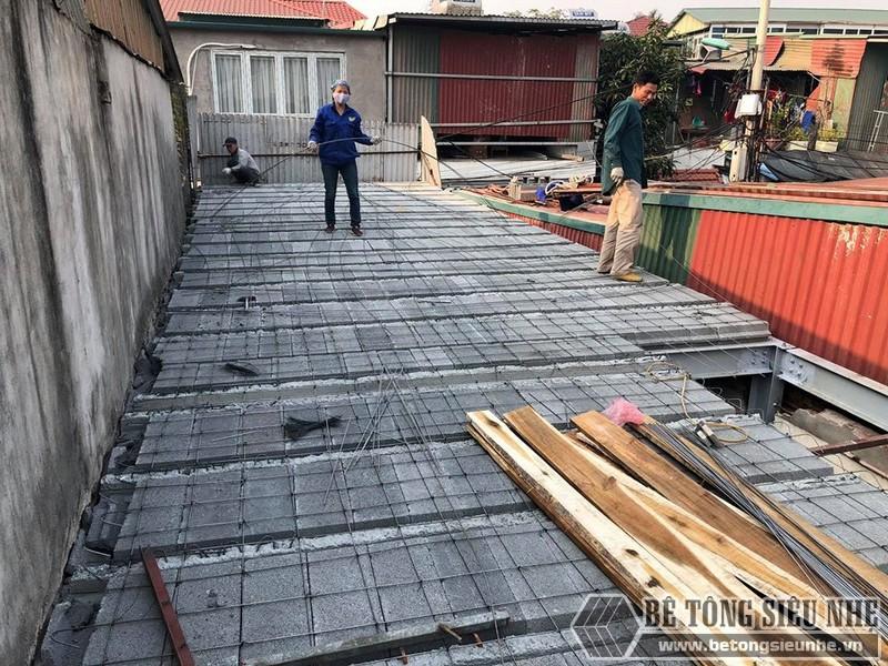 Đan lưới thép liên kết gạch block với dầm chịu lực