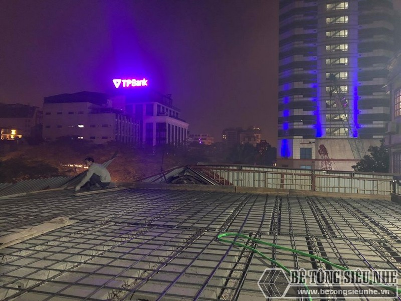 Xây nhà dân dụng thâu đêm bằng khung thép tiền chế và sàn bê tông nhẹ tại Yên Hòa, Cầu Giấy, Hà Nội - 01