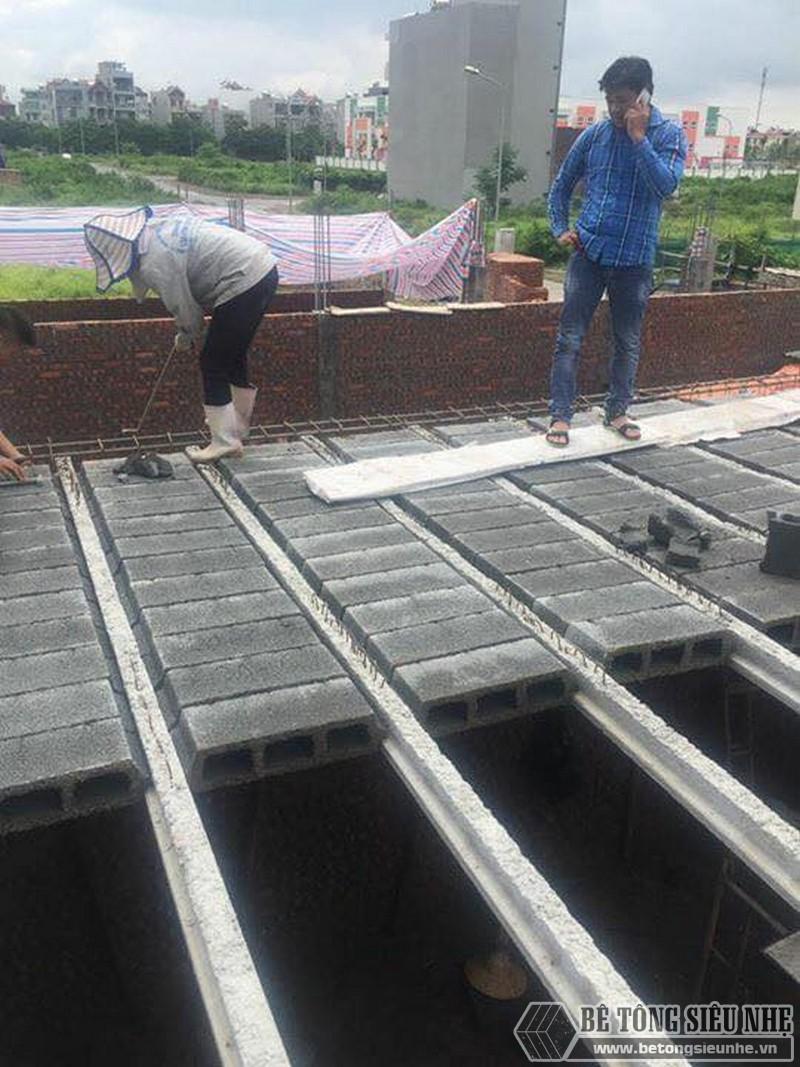 Thi công lắp ghép sàn bê tông siêu nhẹ tại nhà anh Minh ngoại thành Hà Nội - 03