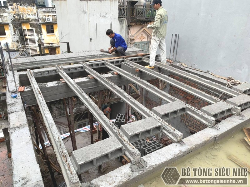 Thi công sàn bê tông nhẹ Xuân Mai tại Cầu giấy, Hà Nội nhà anh Bắc - 01