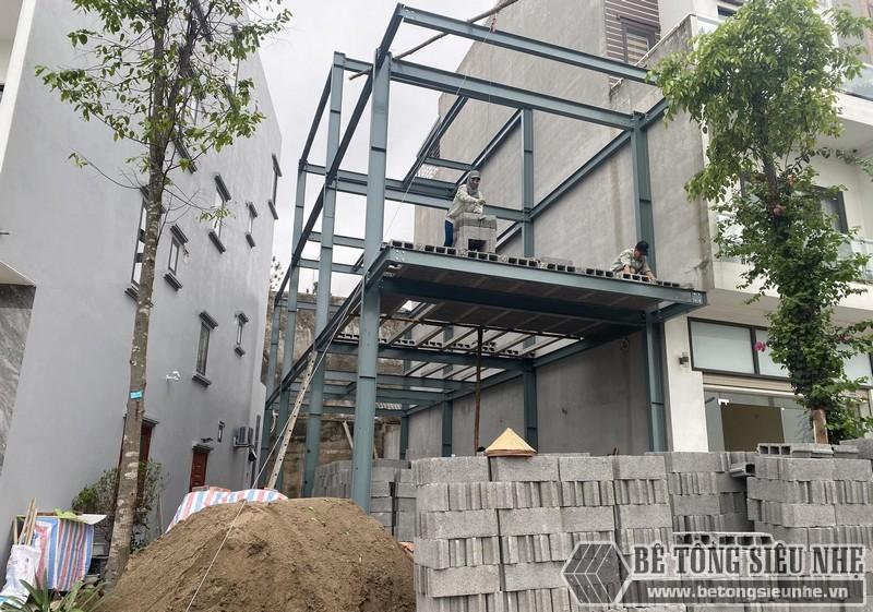 Nhà khung thép tiền chế bê tông nhẹ sử dụng vật liệu đúc sẵn giúp hạn chế ô nhiễm môi trường