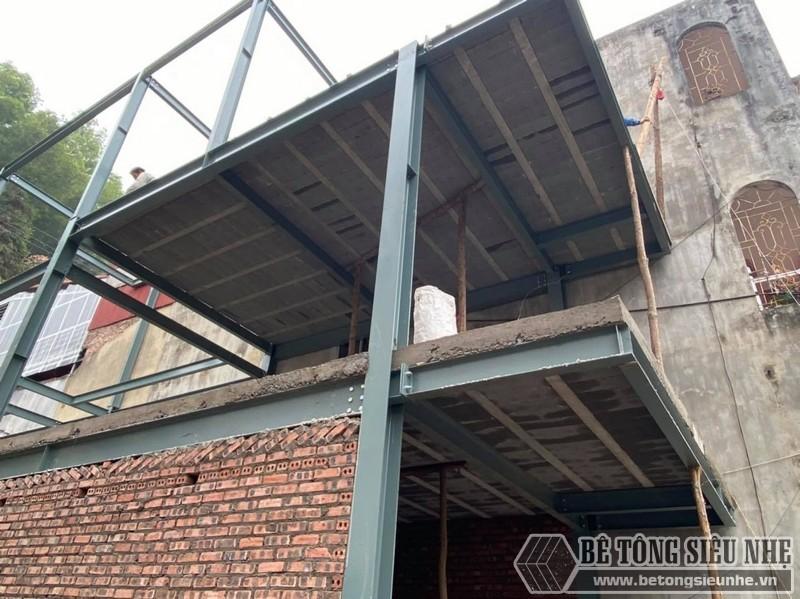 Hình ảnh thi công nhà phố khung thép 3 tầng kết hợp sàn bê tông nhẹ tại Hoàng Mai nhà anh Toàn - 03